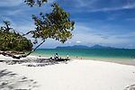 Malaysia, Pulau Langkawi: Pantai Tengkorak beach (Sandy Skull beach) on north of island | Malaysia, Pulau Langkawi: Pantai Tengkorak beach (Sandy Skull beach) im Norden der Insel