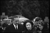 Muret (Haute-Garoone). 3 Janvier 1966. Vue de Madame Auriol lors des Obsèques de son mari.
