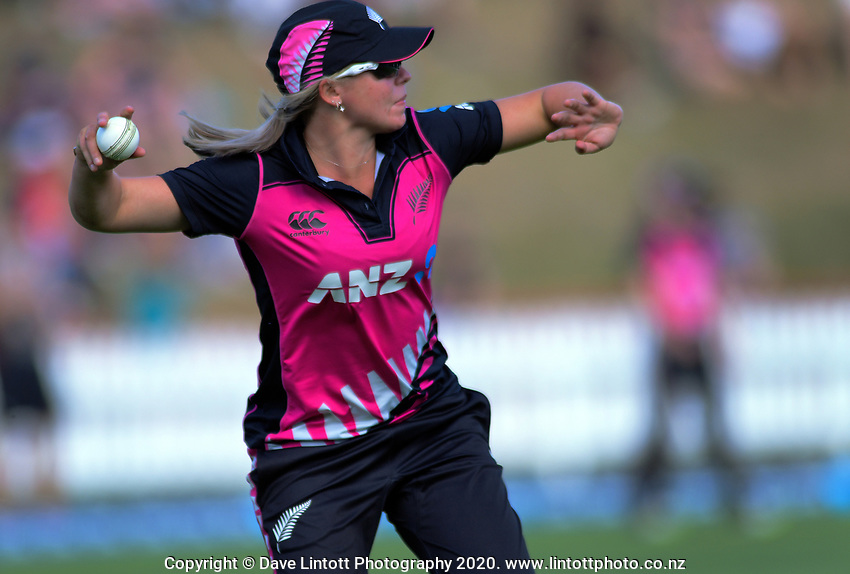 NZ's Jess Kerr fields during the International Women's Twenty20 Cricket match between the New Zealand White Ferns and South Africa Proteas at Basin Reserve in Wellington, New Zealand on Sunday, 9 February 2020. Photo: Dave Lintott / lintottphoto.co.nz