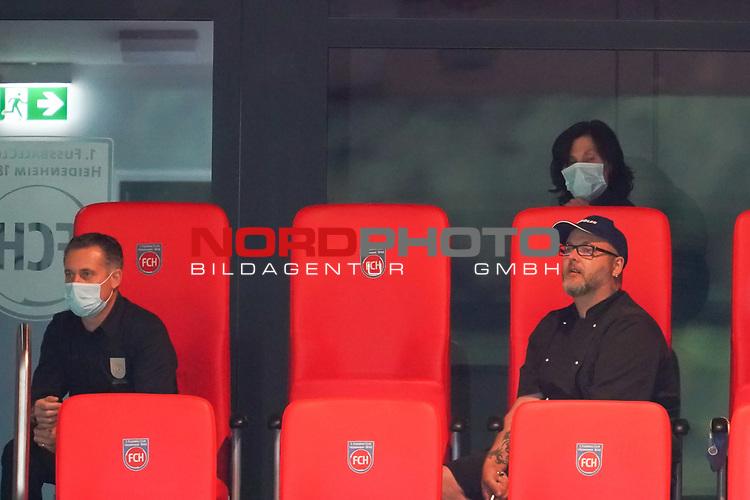 Heidenheimer Stimmungsmacher<br /> <br /> <br /> Sport: nphgm001: Fussball: 1. Bundesliga: Saison 19/20: Relegation 02; 1.FC Heidenheim vs SV Werder Bremen - 06.07.2020<br /> <br /> Foto: gumzmedia/nordphoto/POOL <br /> <br /> DFL regulations prohibit any use of photographs as image sequences and/or quasi-video.<br /> EDITORIAL USE ONLY<br /> National and international News-Agencies OUT.