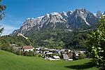 Oesterreich, Salzburger Land, Pongau, Marktgemeinde Werfen: mit Schloss Hohenwerfen und dem Tennengebirge   Austria, Salzburger Land, Pongau, Werfen: with Castle Hohenwerfen and Tennen mountains