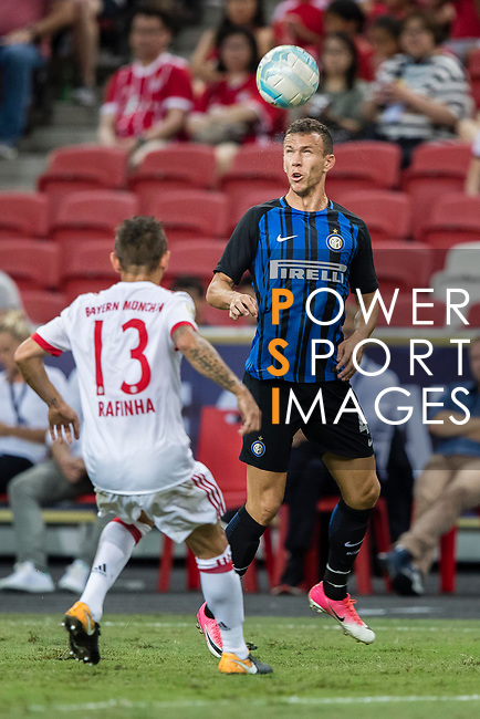 FC Internazionale Forward Ivan Perisic (R) in action during the International Champions Cup match between FC Bayern and FC Internazionale at National Stadium on July 27, 2017 in Singapore. Photo by Marcio Rodrigo Machado / Power Sport Images