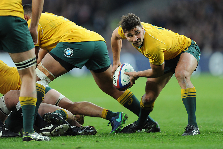 Nick Phipps of Australia passes during the Old Mutual Wealth Series match between England and Australia at Twickenham Stadium on Saturday 3rd December 2016 (Photo by Rob Munro)
