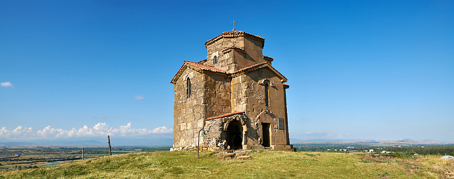 """Pictures and images of St Giorgi (St George) Church, Samtsevrisi, Georgia (country). A perfect example of a 7th century Byzantine """"Tree Cross"""" church  with a horseshoe apse laid out as in the Greek Cross style."""