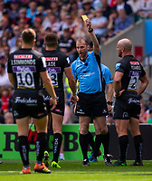 Referee Wayne Barnes shows the yellow card to Exeter Chiefs' Henry Slade<br /> <br /> Photographer Bob Bradford/CameraSport<br /> <br /> Gallagher Premiership Final - Exeter Chiefs v Saracens - Saturday 1st June  2018 - Twickenham Stadium - London<br /> <br /> World Copyright © 2019 CameraSport. All rights reserved. 43 Linden Ave. Countesthorpe. Leicester. England. LE8 5PG - Tel: +44 (0) 116 277 4147 - admin@camerasport.com - www.camerasport.com