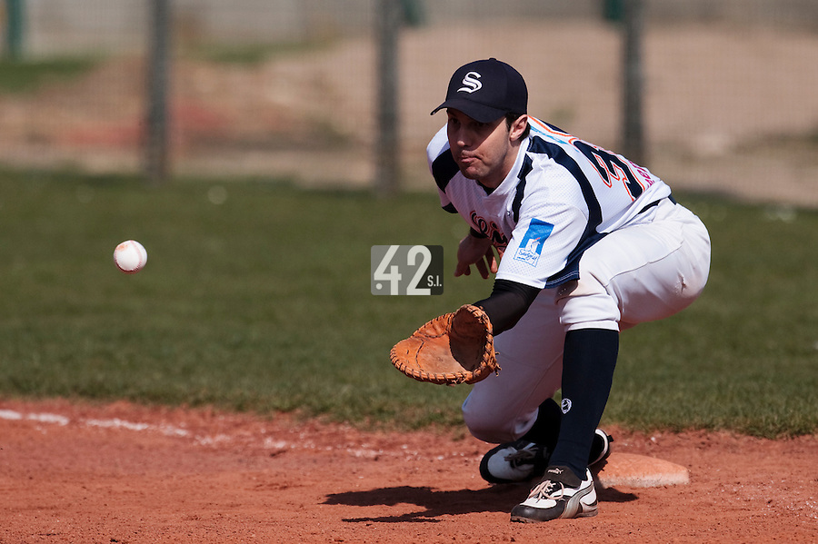 18 April 2010: Sebastien Boyer of Savigny is seen at first base as he eyes the ball during game 1/week 2 of the French Elite season won 8-1 by Savigny (Lions) over Senart (Templiers), at Parc municipal des sports Jean Moulin in Savigny-sur-Orge, France.