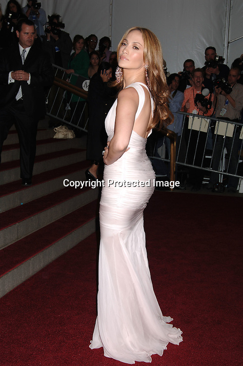 Jennifer Lopez..arriving to the Costume Institute Gala celebrating AngloMania on May 1, 2006 at The Metropolitan Museum of ..Art. ..Robin Platzer, Twin Images..
