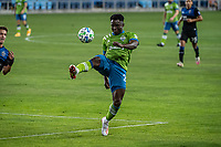 SAN JOSE, CA - OCTOBER 18: Yeimar Gomez Andrade #28 of the Seattle Sounders controls the ball during a game between Seattle Sounders FC and San Jose Earthquakes at Earthquakes Stadium on October 18, 2020 in San Jose, California.