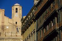 Europe/France/Provence-Alpes-Côte d'Azur/13/Bouches-du-Rhône/Marseille : Eglise Notre-Dame-du-Mont-Carmel et les façades de la rue des Grands Carmes