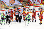 Eishockey DEL 37. Spieltag: Düsseldorfer EG vs <br /> ERC Ingolstadt am 07.04.2021 im ISS Dome in Düsseldorf<br /> <br /> Düsseldorfer Spieler strömen nach Spielende jubelnd auf Düsseldorfs Torhüter Marko Pantowski  (Nr.30) zu<br /> <br /> Foto © PIX-Sportfotos *** Foto ist honorarpflichtig! *** Auf Anfrage in hoeherer Qualitaet/Aufloesung. Belegexemplar erbeten. Veroeffentlichung ausschliesslich fuer journalistisch-publizistische Zwecke. For editorial use only.