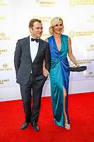 Laurence Ferrari et son mari Renaud Capuçon, photocall d'arrivée pour la cérémonie de remise des prix de la Fondation Positive Planet de Jacques Attal, lors du soixante-dixième (70ème) Festival du Film à Cannes, Palm Beach, Cannes, Sud de la France, mercredi 24 mai 2017.