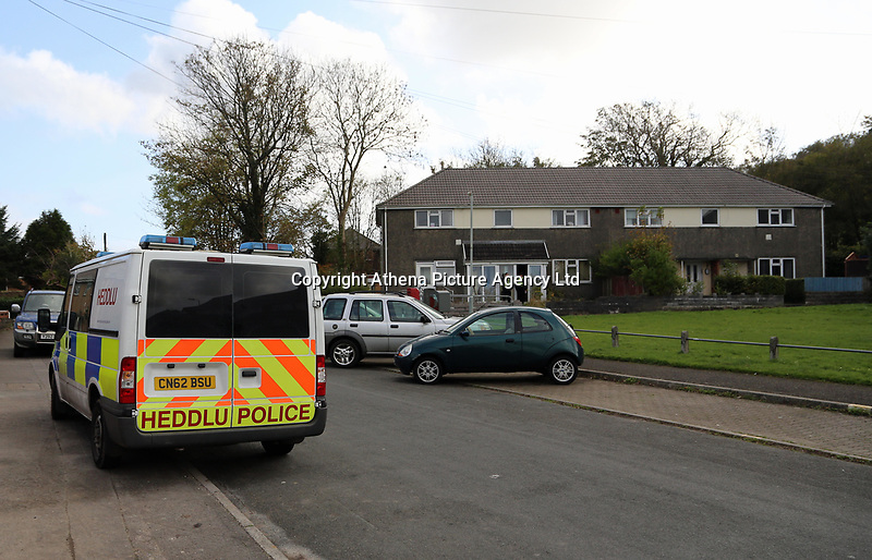 Police at a house in the Waunarlwydd area of Swansea, Wales, UK, part of drug raids which resulted in seven Arrests from five address in the city.