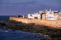 Afrique/Afrique du Nord/Maghreb/Maroc/Essaouira : La cité et ses remparts vers la Skala de la ville