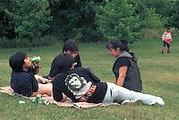 - South American immigrates of Milan (above all Peruvian and Bolivian) meet every Sunday in a park (said Park of the Roses) to the periphery south of Milan, in order to dance, to listen music, to soccer play and drink<br /> <br /> - gli immigrati sudamericani di Milano (soprattutto peruviani e boliviani) si trovano ogni domenica in un parco (detto Parco delle Rose) alla periferia sud di Milano, per ballare, ascoltare musica, giocare a calcio e bere<br /> <br /> - gli immigrati sudamericani di Milano (soprattutto peruviani e boliviani) si trovano ogni domenica in un parco (detto Parco delle Rose) alla periferia sud di Milano, per ballare, ascoltare musica, giocare a calcio e bere