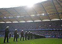 12.05.2018, Football 1. Bundesliga 2017/2018, 34.  match day, Hamburger SV - Borussia Moenchengladbach, Volksparkstadium Hamburg. 1. Abstieg des HSV, Polizei bezieht Stellung auf dem Spielfeld *** Local Caption *** © pixathlon<br /> <br /> +++ NED + SUI out !!! +++<br /> Contact: +49-40-22 63 02 60 , info@pixathlon.de