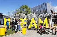 Nederland Eindhoven 2016 04 23. De campus van de Technische Universiteit Eindhoven transformeert op vrijdag 22 tot en met zondag 24 april tot een festivalterrein in het kader van het 60-jarig bestaan van de universiteit. Technologie, innovatie, muziek, kunst, debat, wetenschap en een veelzijdige food line-up zullen de campus tot een levendig terrein omtoveren. Dream Paviljoen waarin de geschiedenis van de universiteit getoond wordt.   Foto Berlinda van Dam / Hollandse Hoogte