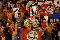 TULUA -COLOMBIA, 09-06-2016. Hinchas de Independiente Medellín animan a su equipo durante partido de ida con Cortulua  por los cuadrangulares finales de la Liga Aguila I 2016 jugado en el estadio 12 de Octubre de la ciudad de Tulua./ Fans of Independiente Medellin cheer for their team during second leg match against Cortulua for the finals quadrangular  of the Aguila League I 2016 played at 12 de Octubre stadium in Tulua city. Photo: VizzorImage / Juan C Quintero /Str