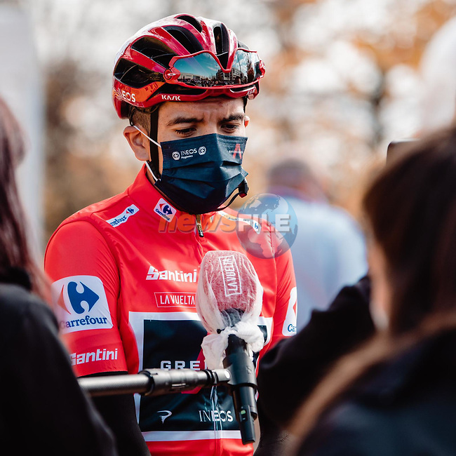 Race leader Richard Carapaz (ECU) Ineos Grenadiers at sign on before the start of Stage 8 of the Vuelta Espana 2020 running 160km from Logroño to Alto de Moncalvillo, Spain. 28th October 2020. <br /> Picture: Unipublic/BaixauliStudio | Cyclefile<br /> <br /> All photos usage must carry mandatory copyright credit (© Cyclefile | Unipublic/BaixauliStudio)