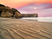 Beach at Devil's Punchbowl State Natural Area. Oregon