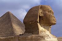 Afrique/Egypte/Env du Caire/Plateau de Giza: Le Sphinx de Giza et le pyramide de Khéphren (ou Chéphren)