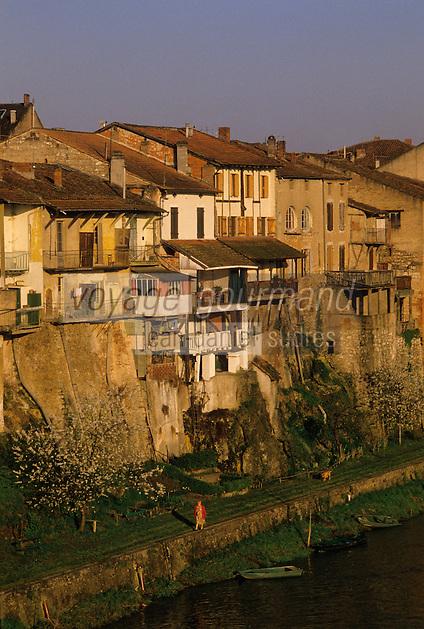 Europe/France/Aquitaine/47/Lot-et-Garonne/Villeneuve-sur-Lot : Bords du Lot et vieilles maisons