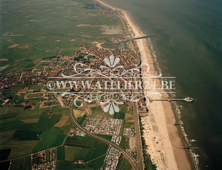 Juli 1971. Luchtfoto van Blankenberge.