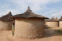 "Afrika Mali Huetten aus Lehm - Bauweise xagndaz | .Western Africa Mali woman in front of clay hut in village .| [ copyright (c) Joerg Boethling / agenda , Veroeffentlichung nur gegen Honorar und Belegexemplar an / publication only with royalties and copy to:  agenda PG   Rothestr. 66   Germany D-22765 Hamburg   ph. ++49 40 391 907 14   e-mail: boethling@agenda-fototext.de   www.agenda-fototext.de   Bank: Hamburger Sparkasse  BLZ 200 505 50  Kto. 1281 120 178   IBAN: DE96 2005 0550 1281 1201 78   BIC: ""HASPDEHH"" ,  WEITERE MOTIVE ZU DIESEM THEMA SIND VORHANDEN!! MORE PICTURES ON THIS SUBJECT AVAILABLE!!  ] [#0,26,121#]"