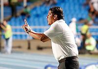 CALI -COLOMBIA-16-11-2013. Jose Torres técnico del Deportivo Pasto gesticula durante partido contra Deportivo Cali válido por la fecha 1 de los cuadrangulares de la Liga Postobón II 2013 jugado en el estadio Pascual Guerrero de la ciudad de Cali./ Deportivo Pasto coach Jose Torres gestures during match valid for the 1th date of the quadrangulars of Postobon League II 2013 played at Pascual Guerrero stadium in  Cali city.Photo: VizzorImage/Juan C. Quintero/STR