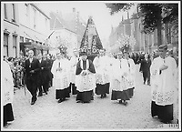 Defile religieux en Hollande, 1956,<br /> date inconnue