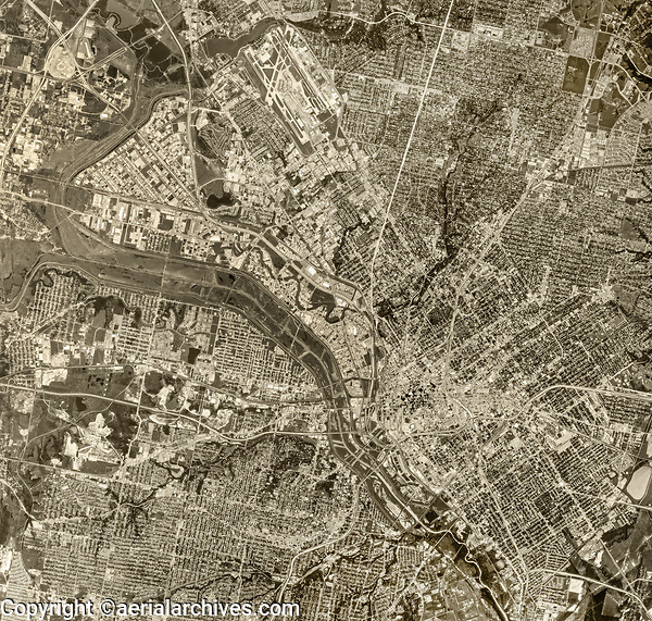historical aerial photograph of the Dallas, Texas metropolitan area, 1970, Dallas Love Field (DAL) at the top of the photograph