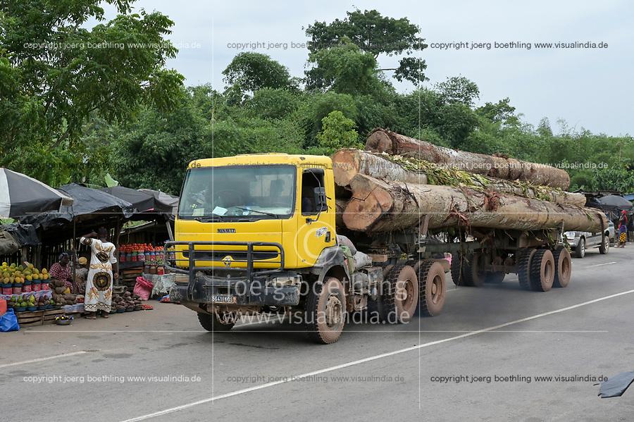 IVORY COAST, Azaguié, deforestation and timber trade to China / ELFENBEINKUESTE, Azaguie, Abholzung und Holzhandel nach China