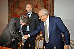 FRANCESCO GAETANO CALTAGIRONE  CON GIANNI ALEMANNO E  L'ASSESSORE UMBERTO CROPPI       PROTOMOTECA DEL CAMPIDOGLIO  2009.
