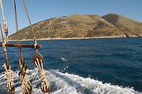 - southern coast of Albania to south of Valona....- costa meridionale dell'Albania a sud di Valona