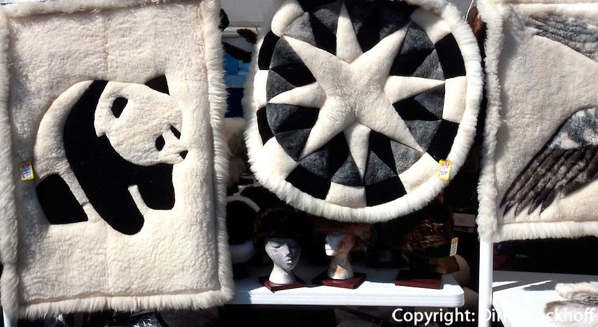 USA, Alaska, Verkauf von Pelzen in Fairbanks