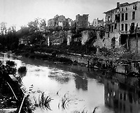 Town of Varennes, France, view due west across the River Aire. September 27, 1918.  Lt. Stone. (Army)<br /> NARA FILE #:  111-SC-23877<br /> WAR & CONFLICT BOOK #:  698