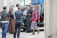 TOURNAGE DU FILM CHRIST OFF DANS LES RUES DE CLERMONT DE L'OISE . MICHAEL YOUN , VICTORIA BEDOS