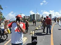 Recife (PE), 26/05/2021 - Protesto-Recife - Famílias despejadas da ocupação na Cidade Amaraji, Zona da Mata Sul de Recife, foram até o Palácio do Campo das Princesas, sede do Governo do Estado de Pernambuco, nesta quarta-feira (26) para denunciar a forma truculenta da Polícia Militar durante o despejo. Uma comissão foi recebida pelo o Governo.