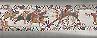 Bayeux Tapestry scene 19 :  Duke Willam and his army attack Dinan in Britany.