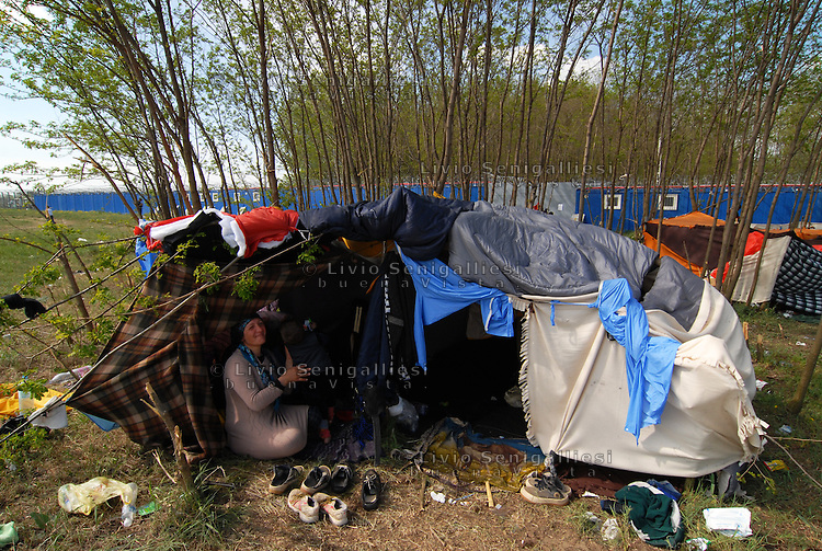 Subotica / Serbia  160416<br /> Syrian refugee living in tent in no man's land near the wall that separates Serbia from Hungary.<br /> Photo Livio Senigalliesi