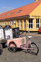 Restaurant auf der Store Torvgade in Rønne, Insel Bornholm, Dänemark, Europa<br /> Restaurant at Store Torv gade, Roenne, Isle of Bornholm, Denmark