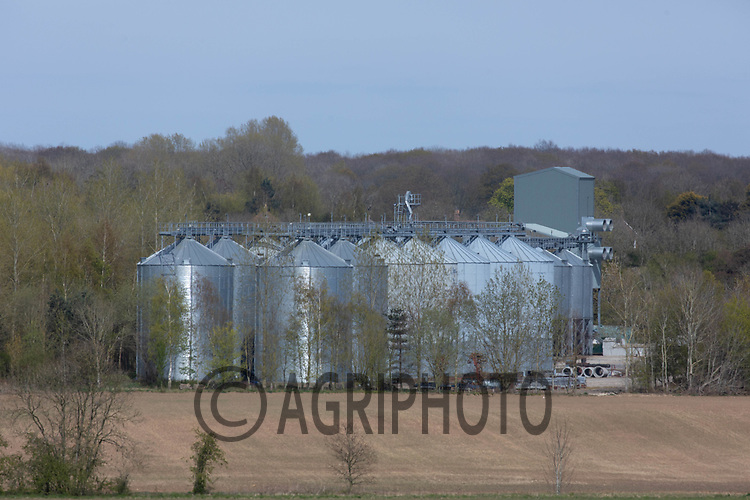 26-4-2021 Large on farm grain store<br /> ©Tim Scrivener Photographer 07850 303986<br />      ....Covering Agriculture In The UK....