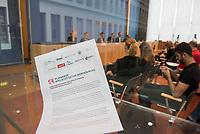 Am Freitag den 16. August 2019 forderten Umweltverbaende in Berlin auf einer gemeinsamen Pressekonferenz  Sofortmassnahmen im Klimaschutz.<br /> Vertreter des Deutschen Naturschutzring, vom BUND, der Kampagnenorganisation Campact, Greenpeace und dem WWF uebten scharfe Kritik an den bisherigen Massnahmen der Bundesregierung und forderten u.a. eine massiven Abbau klimaschaedlicher Subventionen und den schnelleren Ausstieg aus der Kohlekraft.<br /> Im Bild: <br /> 16.8.2019, Berlin<br /> Copyright: Christian-Ditsch.de<br /> [Inhaltsveraendernde Manipulation des Fotos nur nach ausdruecklicher Genehmigung des Fotografen. Vereinbarungen ueber Abtretung von Persoenlichkeitsrechten/Model Release der abgebildeten Person/Personen liegen nicht vor. NO MODEL RELEASE! Nur fuer Redaktionelle Zwecke. Don't publish without copyright Christian-Ditsch.de, Veroeffentlichung nur mit Fotografennennung, sowie gegen Honorar, MwSt. und Beleg. Konto: I N G - D i B a, IBAN DE58500105175400192269, BIC INGDDEFFXXX, Kontakt: post@christian-ditsch.de<br /> Bei der Bearbeitung der Dateiinformationen darf die Urheberkennzeichnung in den EXIF- und  IPTC-Daten nicht entfernt werden, diese sind in digitalen Medien nach §95c UrhG rechtlich geschuetzt. Der Urhebervermerk wird gemaess §13 UrhG verlangt.]