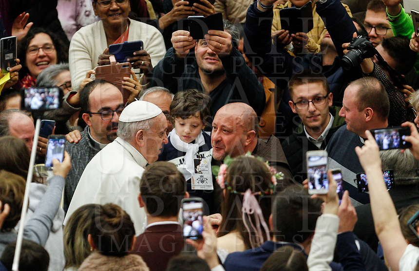Pope Francis greets the faithful as he arrives to attend his weekly general audience in the Paul VI hall at the Vatican, January 22, 2020.<br /> UPDATE IMAGES PRESS/Riccardo De Luca<br /> STRICTLY ONLY FOR EDITORIAL USE