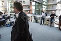 """Verfassungsschutzpraesident Hans-Georg Maassen vor der nichtoeffentlichen Innenausschuss-Sitzung des Deutschen Bundestag am Montag den 13. Februar 2017. Sitzungsthema war der Fall """"Amri"""".<br /> 13.2.2017, Berlin<br /> Copyright: Christian-Ditsch.de<br /> [Inhaltsveraendernde Manipulation des Fotos nur nach ausdruecklicher Genehmigung des Fotografen. Vereinbarungen ueber Abtretung von Persoenlichkeitsrechten/Model Release der abgebildeten Person/Personen liegen nicht vor. NO MODEL RELEASE! Nur fuer Redaktionelle Zwecke. Don't publish without copyright Christian-Ditsch.de, Veroeffentlichung nur mit Fotografennennung, sowie gegen Honorar, MwSt. und Beleg. Konto: I N G - D i B a, IBAN DE58500105175400192269, BIC INGDDEFFXXX, Kontakt: post@christian-ditsch.de<br /> Bei der Bearbeitung der Dateiinformationen darf die Urheberkennzeichnung in den EXIF- und  IPTC-Daten nicht entfernt werden, diese sind in digitalen Medien nach §95c UrhG rechtlich geschuetzt. Der Urhebervermerk wird gemaess §13 UrhG verlangt.]"""