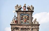 Nederland  Hoorn- September 2020 .  Westfries Museum ofwel Statencollege aan de Roode Steen.Het gebouw waar het museum in gevestigd is, was aanvankelijk het Statencollege - de vergaderplaats van de Gecommitteerde Raden van West-Friesland en het Noorderkwartier. Dit pand is in 1632 gebouwd en heeft een gevel in de stijl van de Nederlandse renaissance. Tijdens de Franse tijd werd het gebouw in 1795 een rechtbank. Op 10 januari 1880 werd het museum aan de achterkant van het gebouw gevestigd.Tot 1932 deelden kantongerecht en museum het gebouw. Het gebouw is een rijksmonument. Foto : ANP/ Hollandse Hoogte / Berlinda van Dam