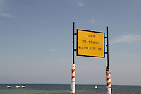 - cartello indicatore per la caserma del battaglione fanteria di marina S.Marco....- signboard for the barracks of the navy infantry battalion S.Marco