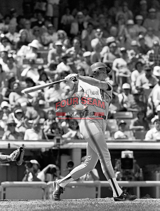 New York Mets Dave Magadan during a game against the Los Angeles Dodgers at Dodger Stadium during the 1987 season in Los Angeles,California.(Larry Goren/Four Seam Images)