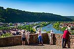 Deutschland, Baden-Wuerttemberg, Region Heilbronn-Franken, am Ende des Taubertals, Wertheim: hier muendet die Tauber in den Main, Blick von der Burg Wertheim, eine der aeltesten Burgruinen Baden-Wuerttembergs, ueber die Stadt Wertheim (Baden-Wuerttemberg), auf der anderen Seite des Mains liegt der Ort Kreuzwertheim (Bayern/Unterfranken) | Germany, Baden-Wuerttemberg, Tauber Valley, Wertheim: view from Castle Wertheim across (left) Wertheim (Baden-Wuerttemberg) and (right) Kreuzwertheim (Bavaria)
