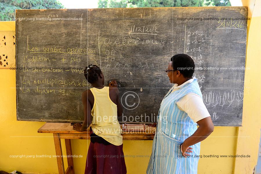 BURKINA FASO , Bobo Dioulasso, Good Shepherd Sisters / Die Schwestern vom Guten Hirten, Zentrum fuer Frauen und Maedchen, SR. BIBIAN THUGUCI aus Kenia