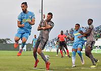 MONTERIA - COLOMBIA, 01-05-2019: Delio Ojeda de Jaguares disputa el balón con Jaider Riquett de Equidad durante partido por la fecha 19 de la Liga Águila I 2019 entre Jaguares de Córdoba F.C. y La Equidad jugado en el estadio Jaraguay de la ciudad de Montería. / Delio Ojeda of Jaguares struggles the ball with Jaider Riquett of Equidad during match for the date 19 as part Aguila League I 2019 between Jaguares de Cordoba F.C. and La Equidad played at Jaraguay stadium in Monteria city. Photo: VizzorImage / Andres Felipe Lopez / Cont